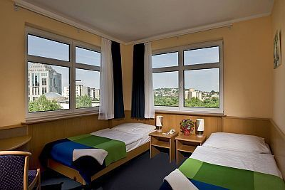 Jagello Business Hotel Budapest - The hotel's twin room with panorama view to the Buda Hills - Hotel next to Budapest World Trade Center - Jagello hotel Budapest, Business hotel Jagello